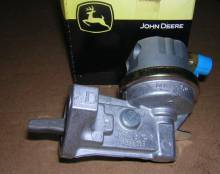 john-deere-fuel-pump-pn-re66153 Image