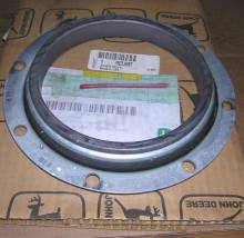 john-deere-rear-seal-for-6125-marine-engine Image